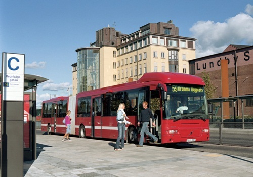Volvo Bus Perbaharui 100 Unit Bus Gandeng