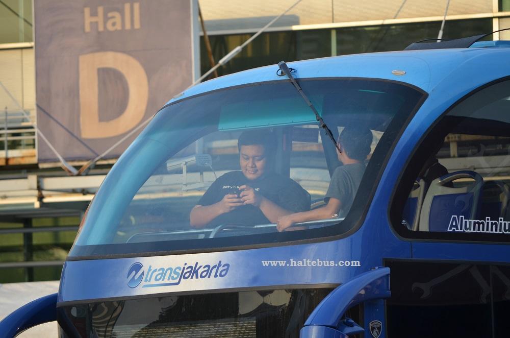 Kisah MAN Di Antara Bus Wisata Jakarta