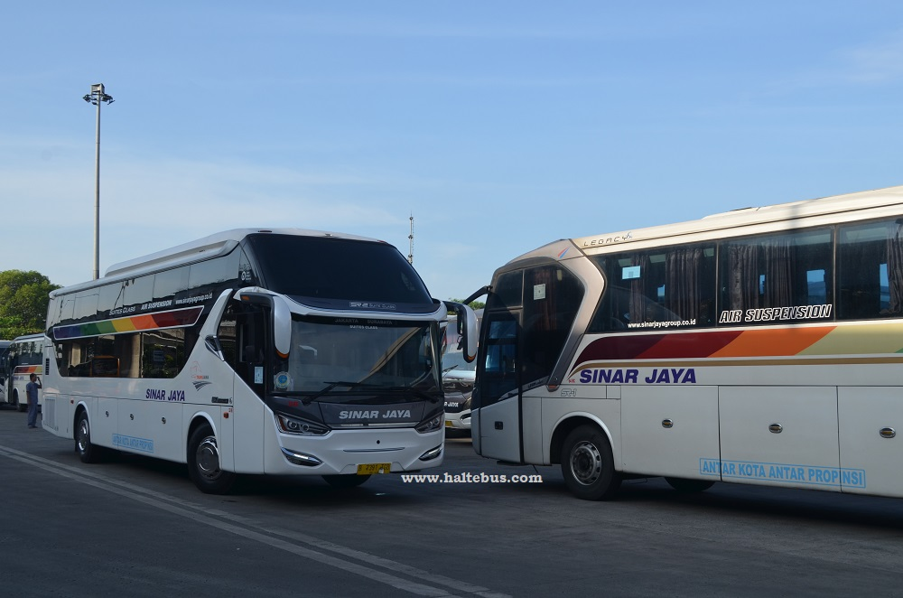 Hino RN 285 Yang Empuk di Tol Trans Jawa