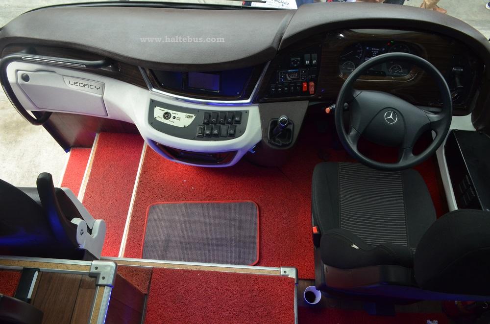 Uji Ketahanan bus Mercedes-Benz O 500 RS 1836 di Sumatera, dimulai!