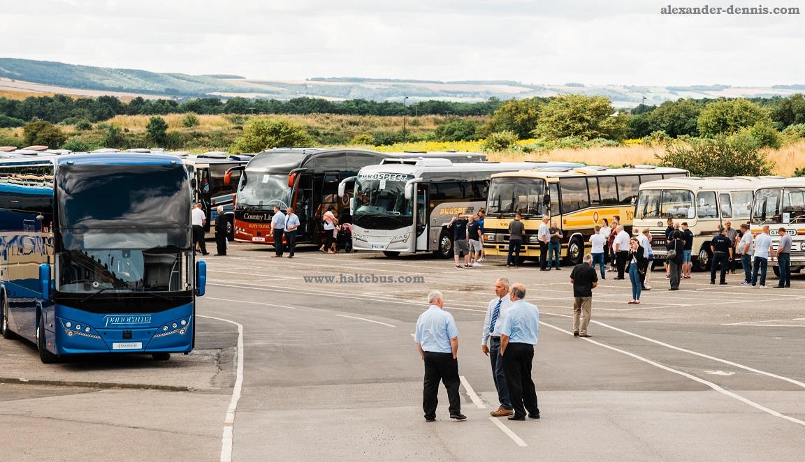 Kontes Bus Tua Perayaan Ulang Tahun Plaxton